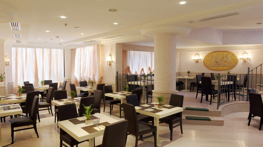 Hotel-Trilussa-Palace-Rom-unten-ausgesetzt-3