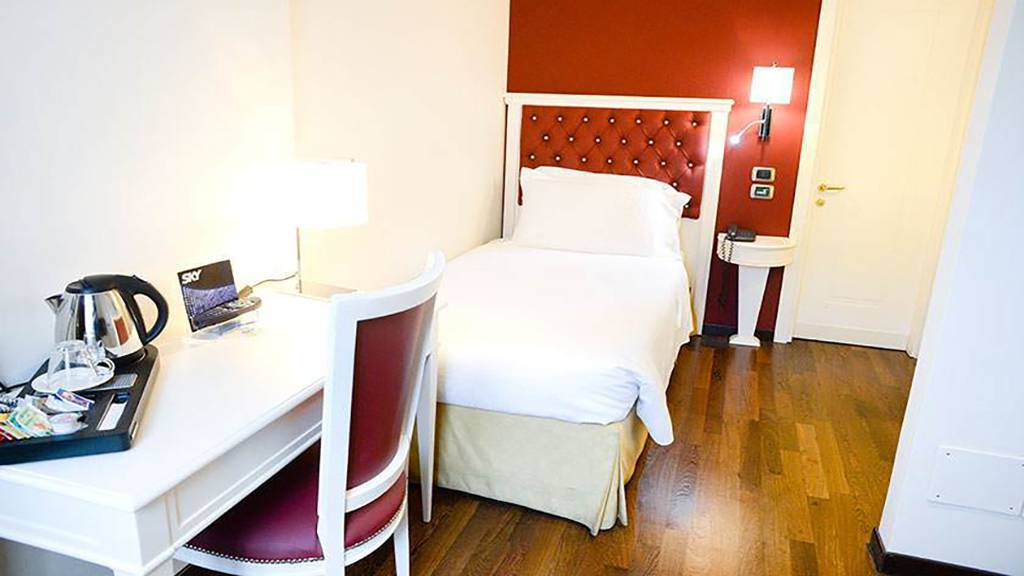 Hotel-Trilussa-Palace-Rome-single-2